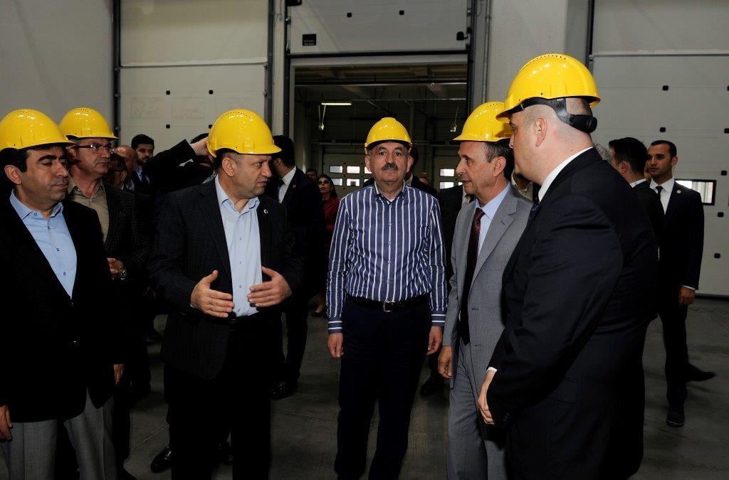 Sağlık Bakanı Sn. Mehmet Müezzinoğlu ve Bilim ve Sanayi Bakanı Sn. Fikri Işık, Lojistik Merkezimizi Ziyaret Etti. - Haberler - TezTrans Lojistik