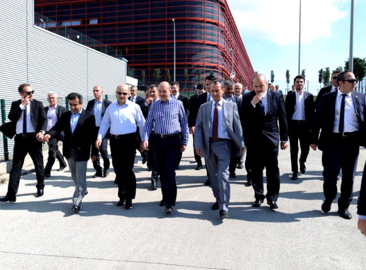 Mehmet Müezzinoğlu, The Minister of Health and Fikri Işık, the Minister of Science and Industry,  visited our Logistics Center. - Haberler - TezTrans Lojistik