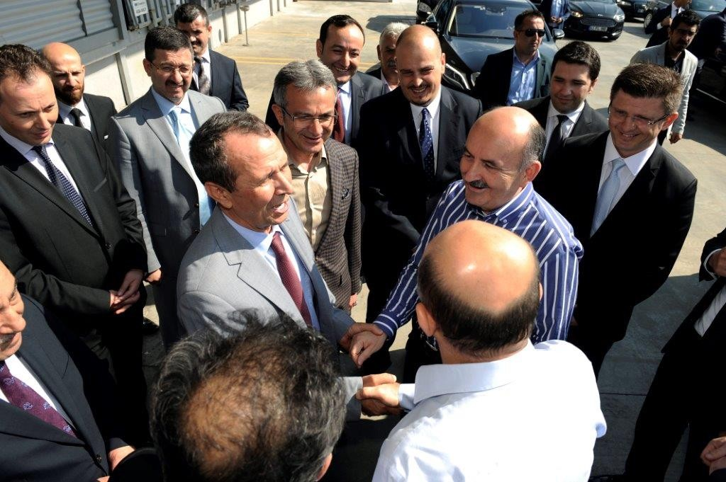 Mr.Mehmet Müezzinoğlu, The Minister of Health and Mr.Fikri Işık, the Minister of Science and Industry,  visited our Logistics Center. - Haberler - TezTrans Lojistik